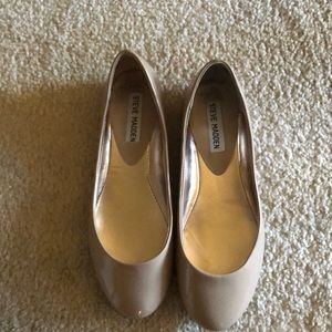 Steve Madden beige patent leather flat new